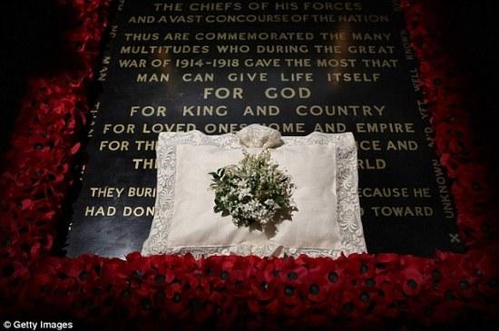 Duchess of Cambridge wedding Bouquet Tomb of unkown warrior