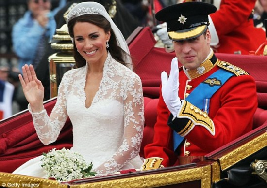 Prince William and Kate in carriage