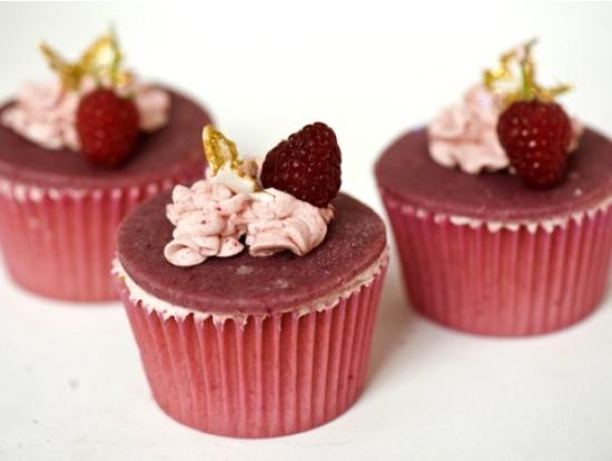 rapberry cupcakes