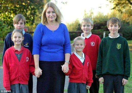 Julie jones and five children