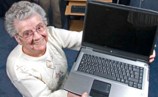 lady-with-laptop-