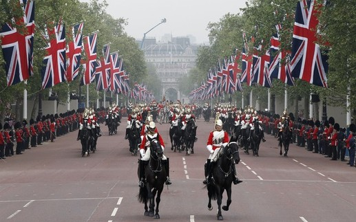 Carriage Procession To Buckingham Palace