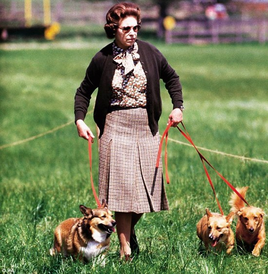 the queen with her beloved corgies